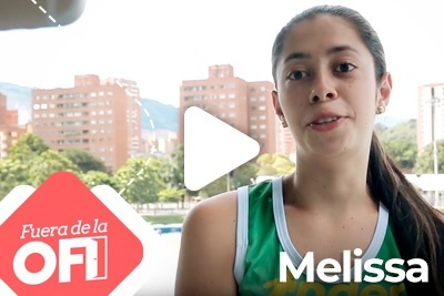 Fuera de la ofi 3<small>Melissa Rodriguez</small>