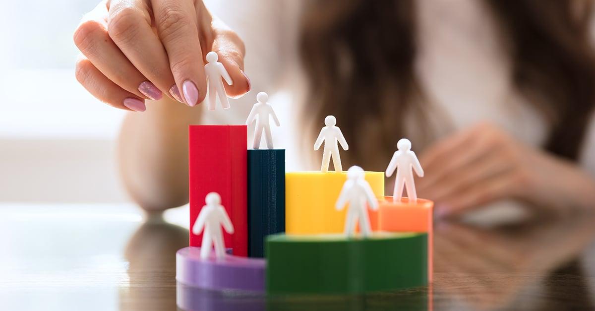Cómo crear una estrategia de gestión y segmentación de contactos