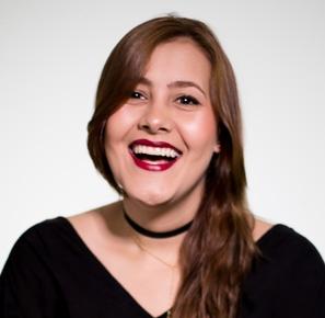 Laura Castillo  Equipo Comercial Pragma